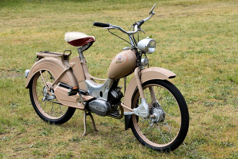 moped-1421556_1920